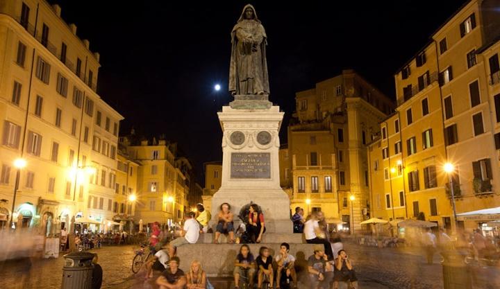 Compo del fiori meydanı - romada yer alan sarayların hikayeleri