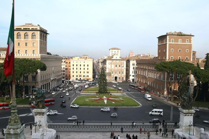 Piazza venezia meydanı roma - romanın en güzel gezilecek yerleri