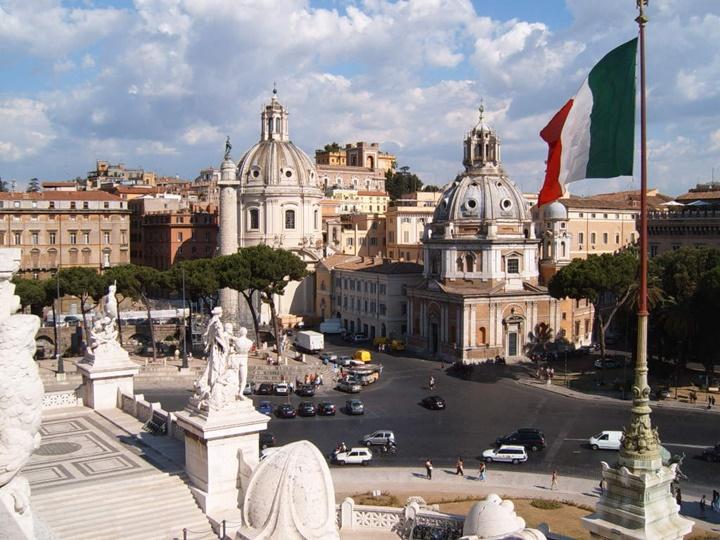 Roma Piazza Venezia meydanı - Romada gezilecek yerler