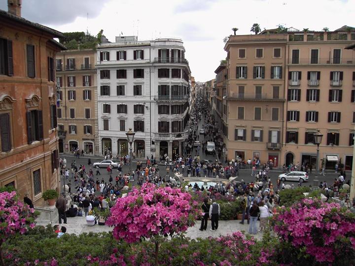 Roma-Via-Condotti-Caddesi-romada-gezilecek-yerler.jpg