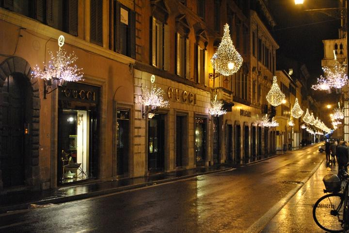 Roma Via Condotti Caddesinde yer alan mağazalar