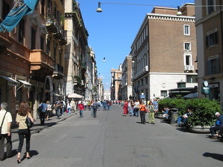 Roma Via Del Corso caddesi - Roma alışveriş rehberi