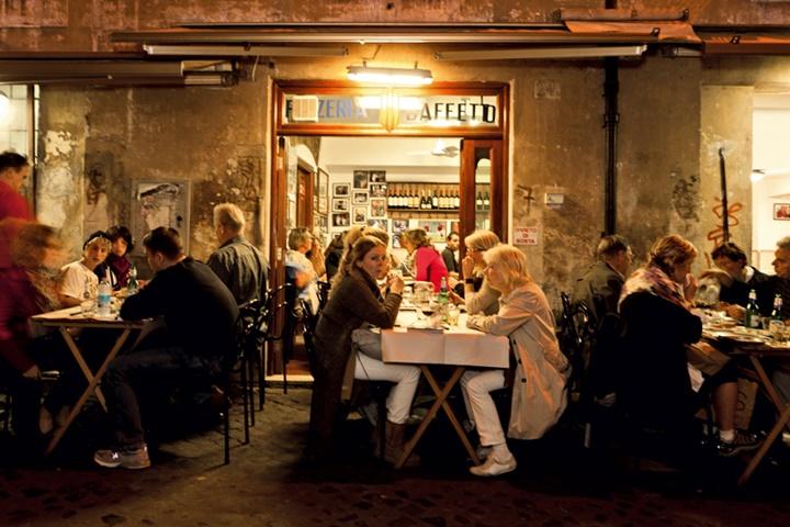 Romanın en meşhur pizzacısı - Pizzeria da Baffetto