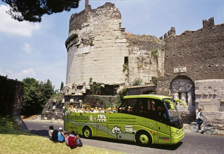 Rome Archeobus otobüsleri - romada gidilecek yerler