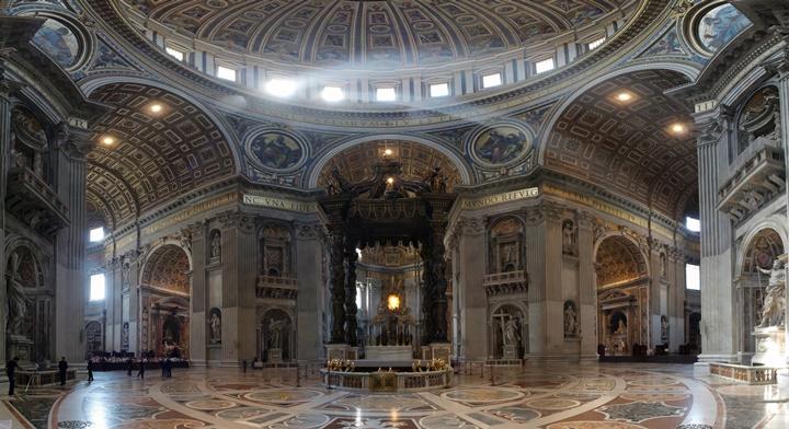 San-pietro-bazilikası.jpg