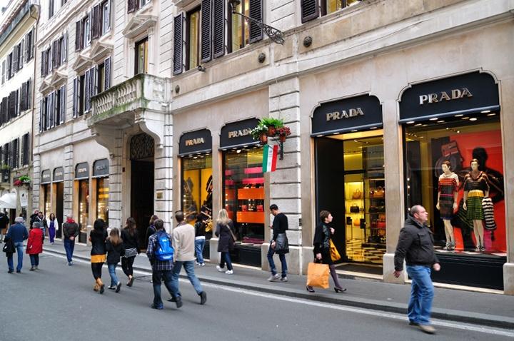 Via Condotti caddesi - Romada gezilecek yerler