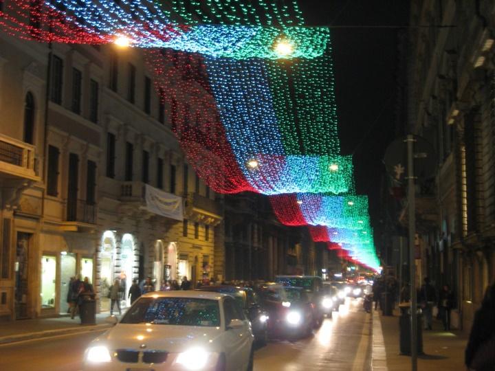 Via Del Corso roma gece görüntüsü