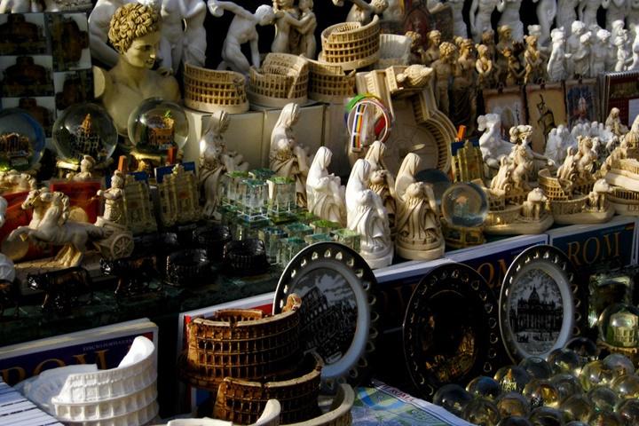romada hediyelik eşya - kolezyum maketleri