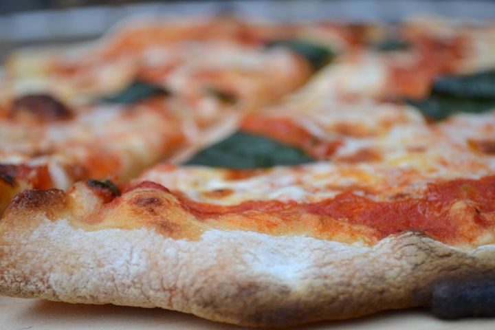 romada ucuz yemek nerede yenir - roma da dilim pizza