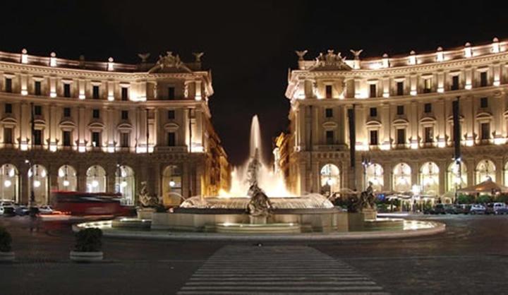 Floransa Piazza della Repubblica meydanı - floransanın en güzel meydanları