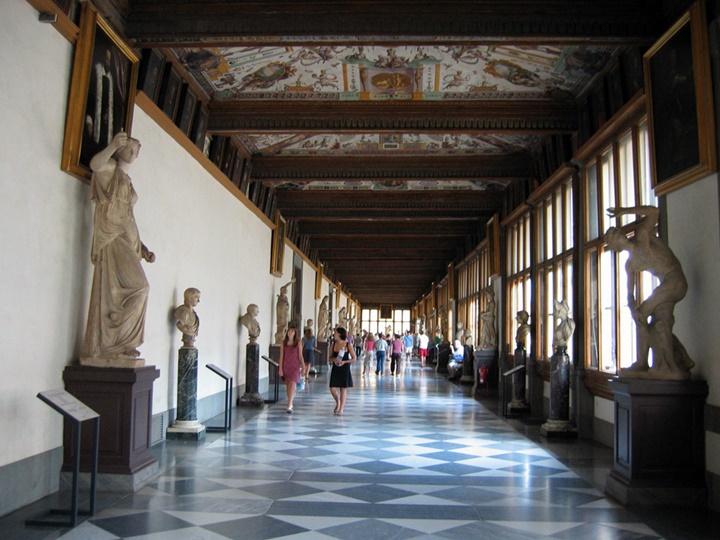 Floransa Uffizi Galerisinin içinde yer alan eserler