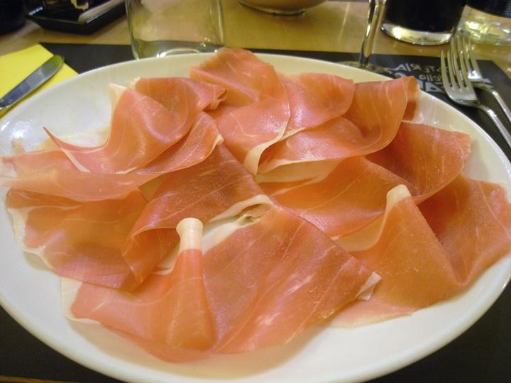 Prosciutto-nedir-floransada-yemekle-ilgili-öneriler.jpg