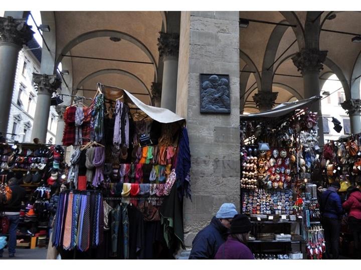 floransa Loggia del mercato nuovo çarşısı - floransanın ünlü çarşıları