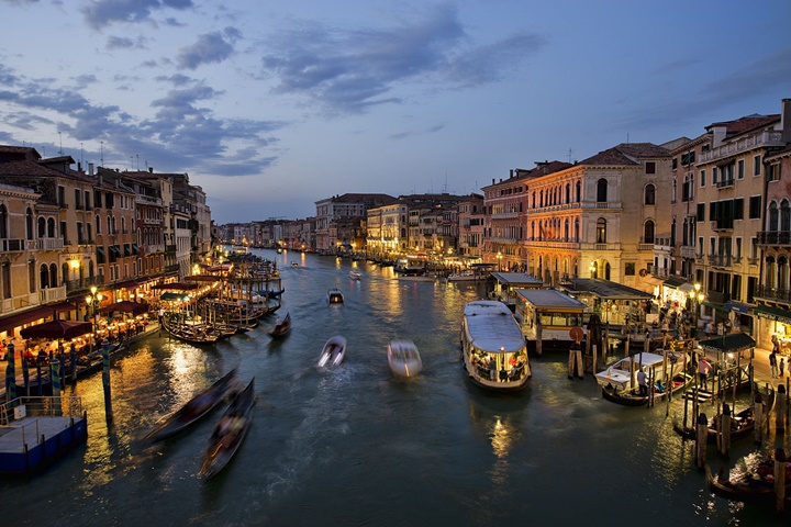 venedik büyük kanalın gece görüntüsü - venedik büyük kanal hakkında bilgi