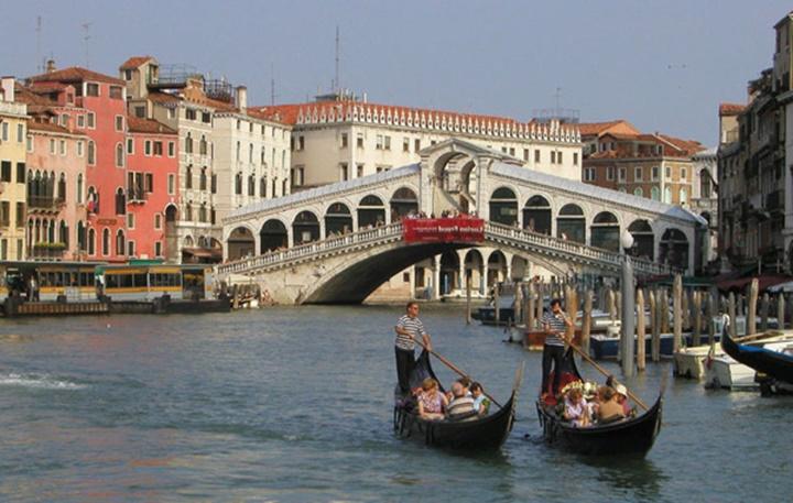 venedik büyük kanalda gondol turu