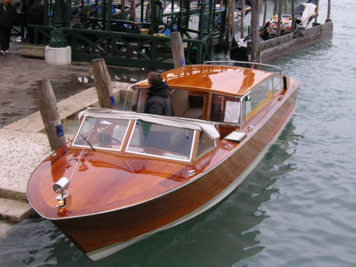 venedik-deniz-taksi-venedikte-ulaşım.jpg