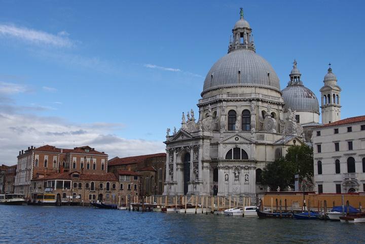 venedik santa maria della salute basilikası - venedikte yer alan önemli yapılar