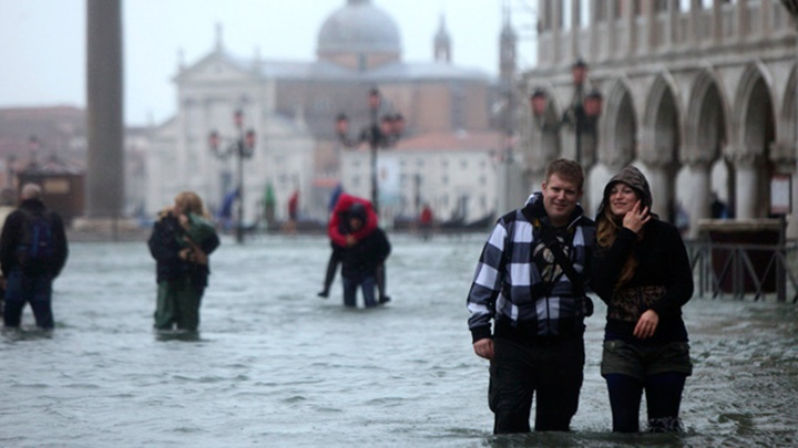 venedikin-en-yağmurlu-mevsimi-venedikin-iklimi.