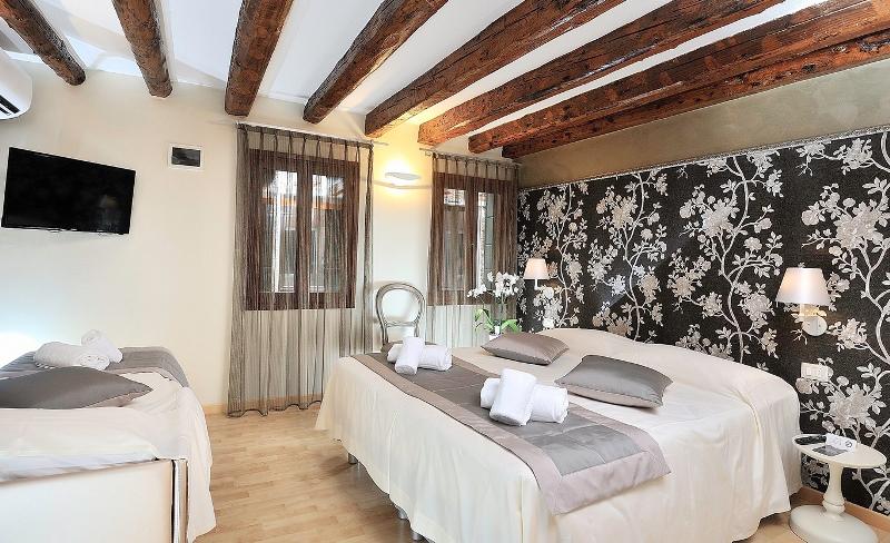 venedikte konaklama tavsiyeleri - venedik hotel rio