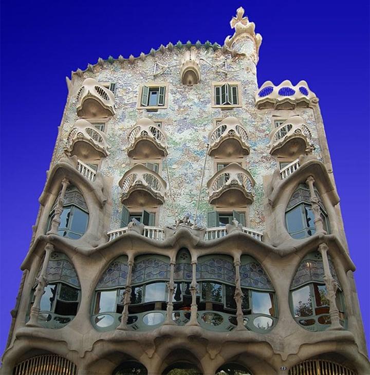 Barcelona Casa Batllo binası hakkında detaylı bilgi