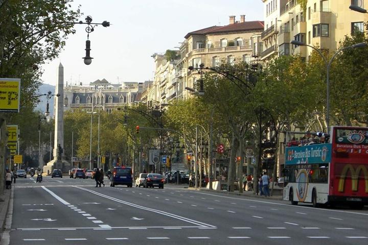 Barcelona Passeig De Gracia Caddesinin görüntüleri