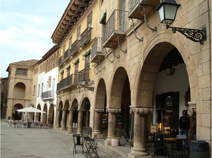 Barcelona Poble Espanyol Müzesi (ispanyol köyü müzesinde) yer alan kafeler