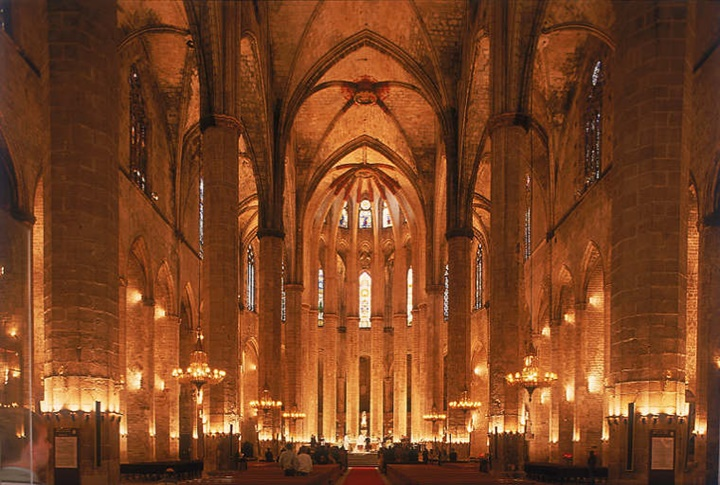 Barcelona Santa Maria Del Mar Kilisesinin içi
