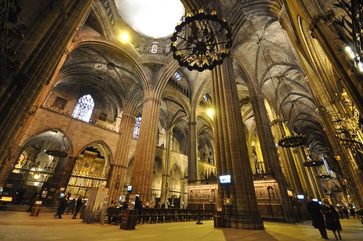 Bracelonada gezilecek katedral ve kiliseler - barcelona katedrali - catedral de la santa cruz y santa eulalia katedrali