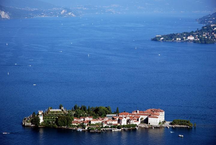 Como Gölü - Maggiore Gölü - Maggiore Gölünde yer alan Borromeo adaları