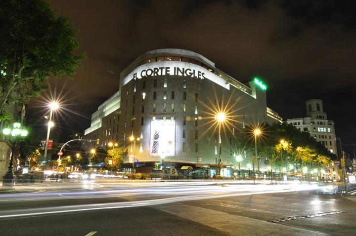 El Corte İngles'in evi olan alışveriş merkezi