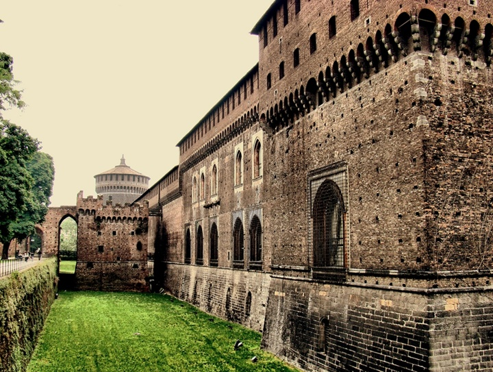 Milano Castello Sforzesco Kalesinin hikayesi - Milan kalesi