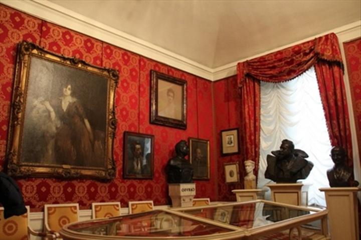 Milano La Scala Tiyatro Müzesinin içi