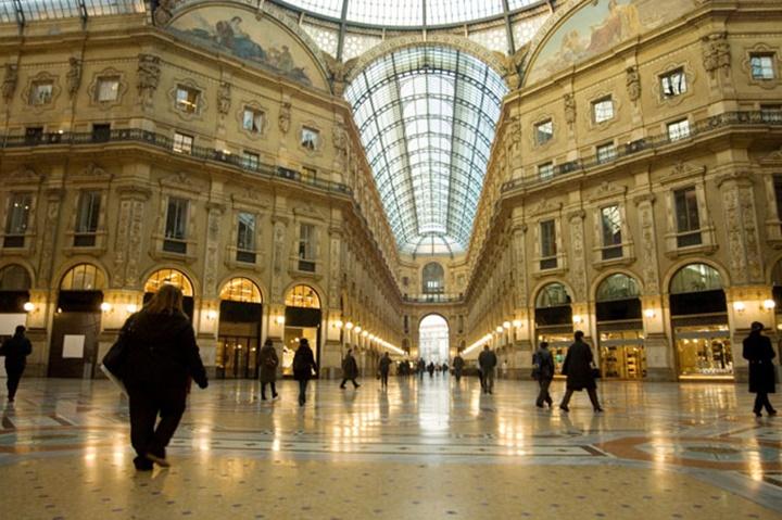 Milanoda gezilecek yerler - Milano Galleria Vittoria Emanuele Alışveriş Merkezi