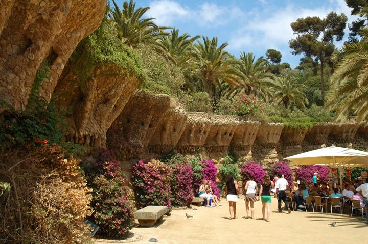 barcelona rehberi - Barcelona Park Güell'in içi