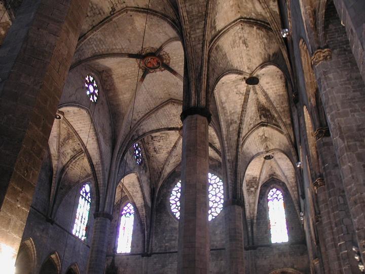 barcelona-rehberi-Barcelona-Santa-Maria-Del-Mar-Kilisesinin-iç-tasarımı.jpg