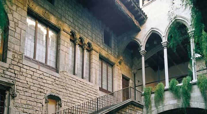 barcelonada gezilcek müzeler - barcelona Picasso müzesi