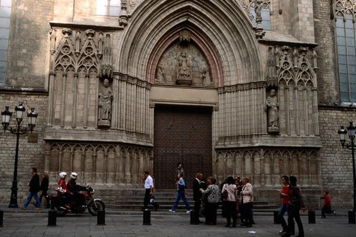 barcelonada gezilecek kiliseler - Barcelona Santa Maria Del Mar Kilisesi