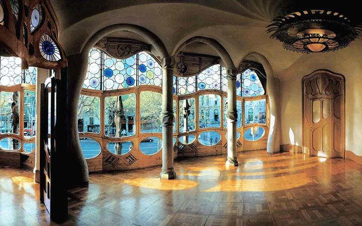 barcelonada gezilecek yerler - Barcelona Casa Batllo binasının içi