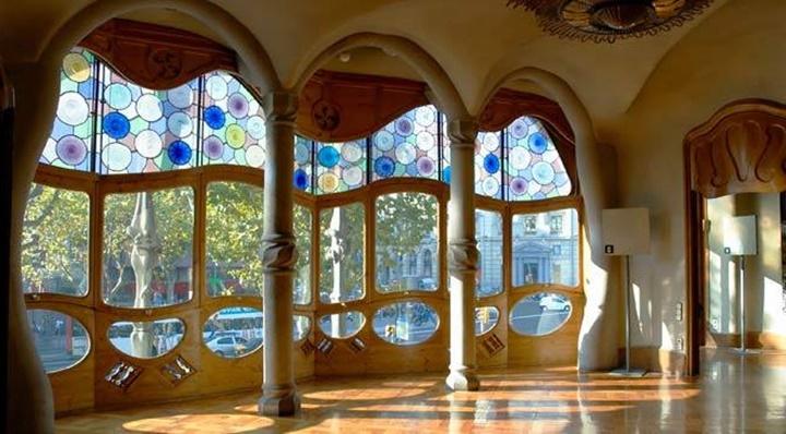 barcelonada gezilecek yerler - Barcelona Casa Batllonu içi
