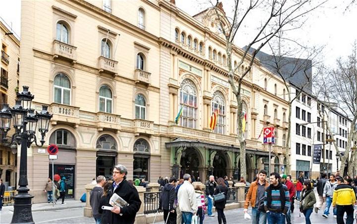 barcelonada gezilecek yerler - Barcelona Gran Teatre Del Liceu Opera Binası