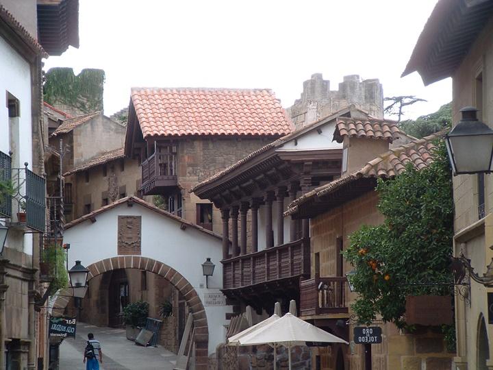 barcelonada gezilecek yerler - Barcelona Poble Espanyol Müzesi - barcelona köyü müzesi