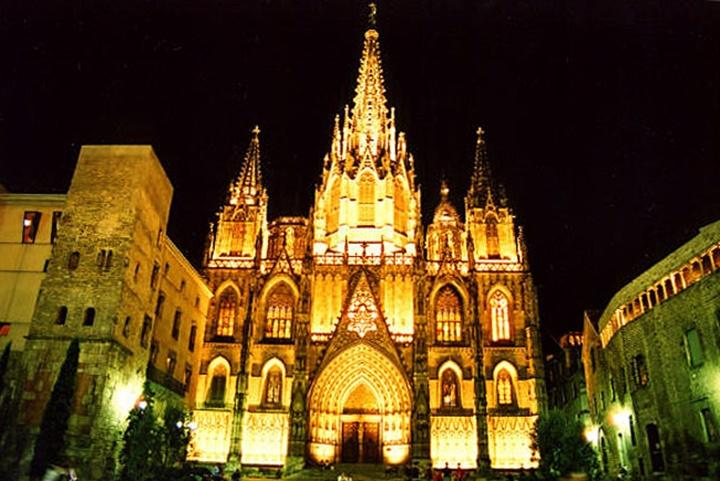 barcelonada gezilecek yerler - Barcelona katedrali