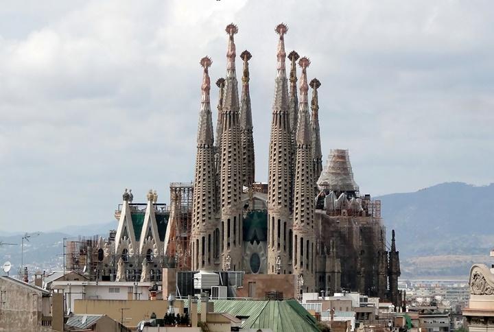 barcelonada gezilecek yerler - Sagrada Familia Church kilisesi