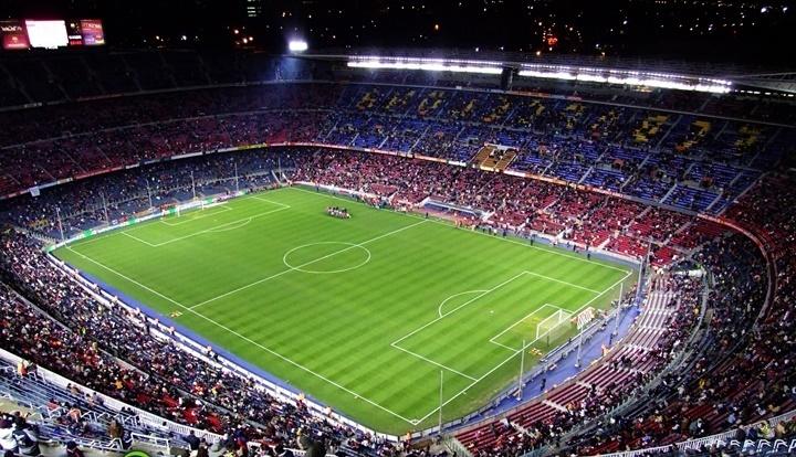 barcelonada gezip görülecek yerler - Barcelona Nou Camp Stadyumu