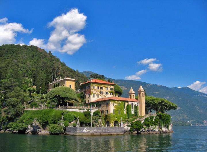 como gölünde yer alan ünlülerin villaları