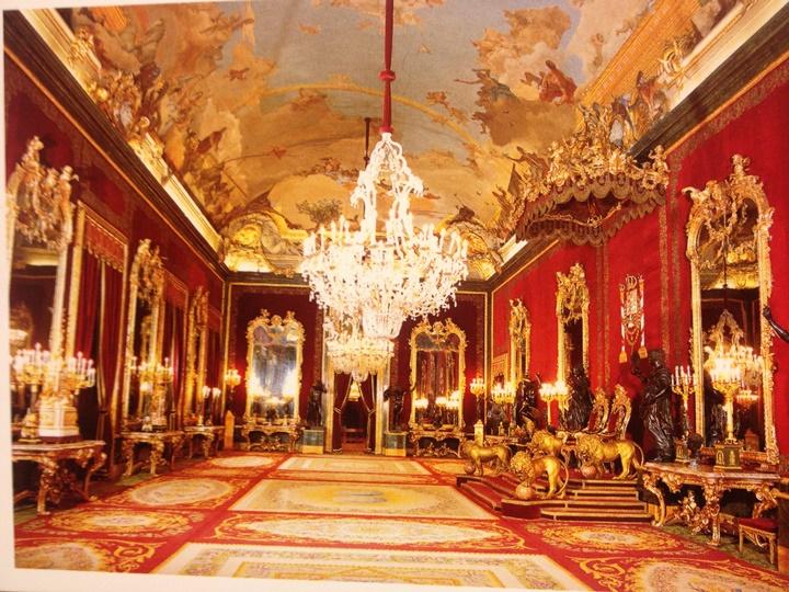 Palacio Real de Madrid Sarayının içinde bulunan eserler