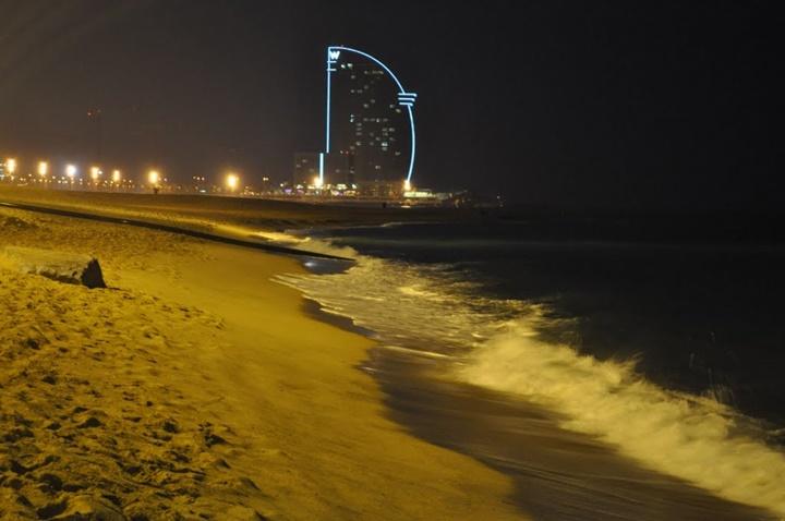 barcelona pljı gece görüntüsü