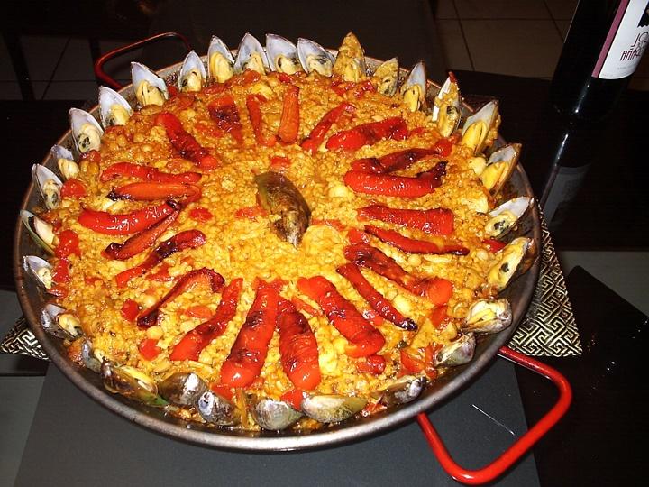 barcelona-yöresel-yemekleri-paella.jpg