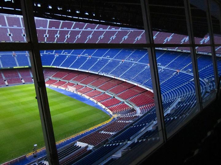 barcelonada gezilecek yerler - Barcelona Nou Camp Stadyumunun içi