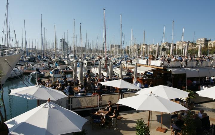 http://www.harikalardiyari.com/wp-content/uploads/2014/03/barcelonada-gezilecek-yerler-Barcelona-Port-Vell-Limanı.jpg